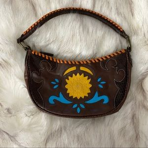 ✨CLEARANCE✨BCBGirls purse with embroidered design